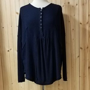 Free People Oversized L/S Top. Buttons. Navy Blue!